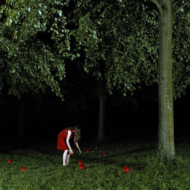 FOTOGRAFIER - dansk nutidsfotografi fra Kunst på Arbejdspladsens samling