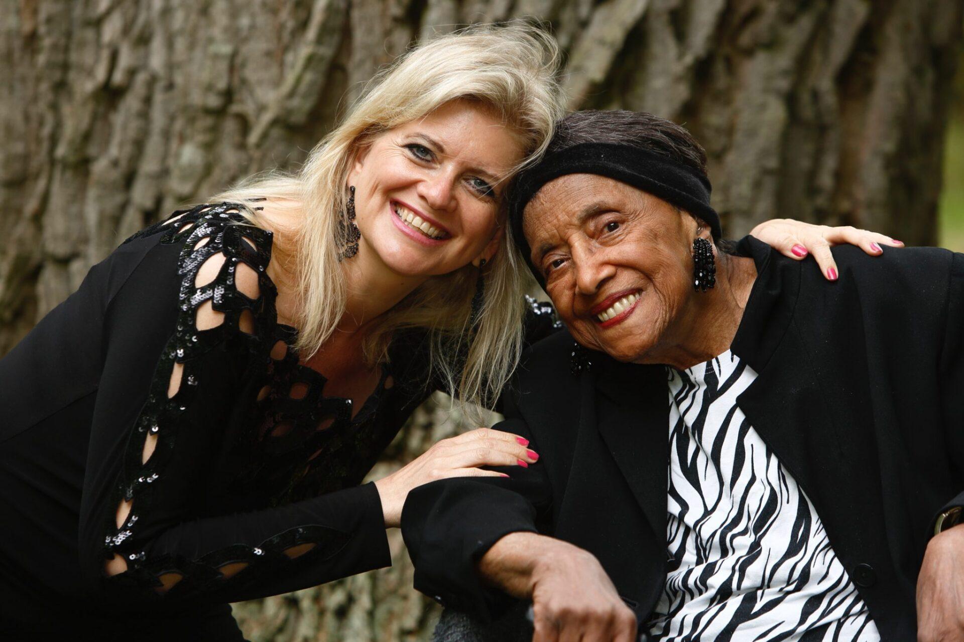 Emory Lou Thomsen & Monica Jacobsen - koncert med digte