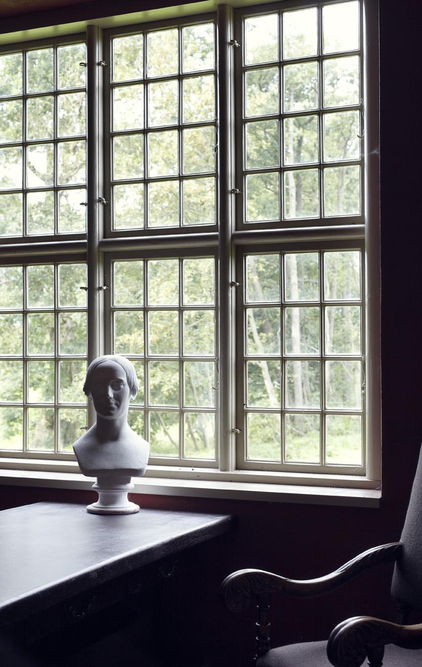 Omvisning om Rønnebæksholms historie og udstillingen Upåagtet